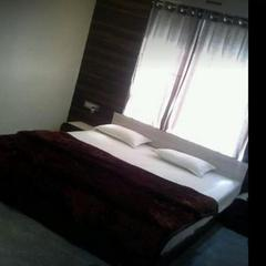 Hotel 100 Blu in Sagar