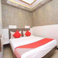Hotel Adarsh International in Ooty