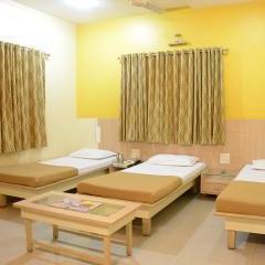 Hotel Aishwarya Palace in Ahmednagar