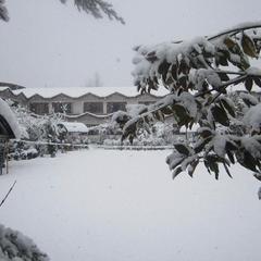 Hotel Akbar At Dal Lake in Srinagar