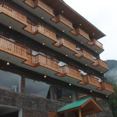 Hotel Alpas in Manali