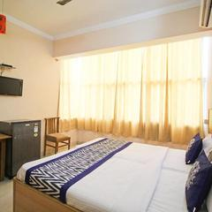 Hotel Ap House in Ayodhya