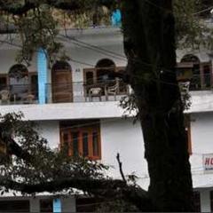 Hotel Bhandari Palace in Dalhousie