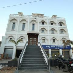 Hotel Bhavani Palace in Ahmedabad