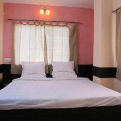 Hotel Chakra Nayan Tara in Tarapith