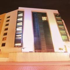Hotel Chennai Le Palace in Chennai
