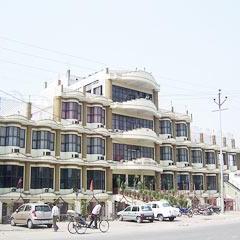 Hotel Clark International in Saharanpur