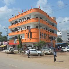 Hotel Dashmesh Palace in Satna