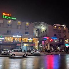 Hotel Easy Retreat in Vapi