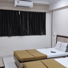 Hotel Golden Plaza in Surat