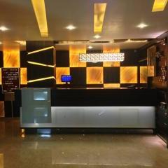 Hotel Heaven in Bhavnagar