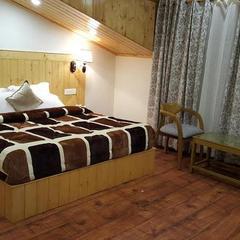 Hotel Kayanat in Dalhousie