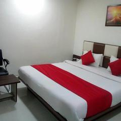 Hotel Lake Palace in Ahmedabad