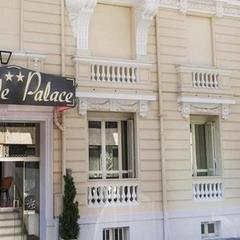 Hotel Little Palace in Dibrugarh