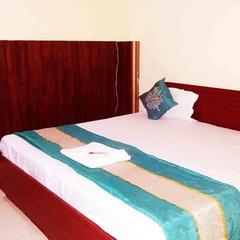 Hotel Madhav Stay in Noida