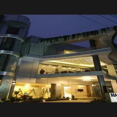 Hotel Mahendra Plaza in Hardoi