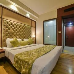 Hotel Mint Oodles 2 Mins To Nehru Enclave Metro in New Delhi