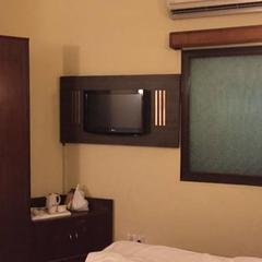 Hotel Monark in Firozabad