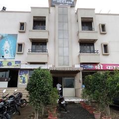 Hotel Neha Palace in Baramati
