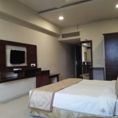 Hotel New Pride By Legacy in Sangli