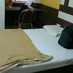 Hotel Omshakti Paradise in Bengaluru