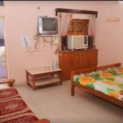Hotel Pushpak Lodge in Hoshangabad