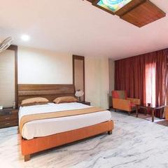 Hotel R R Grand in Vishakhapatnam