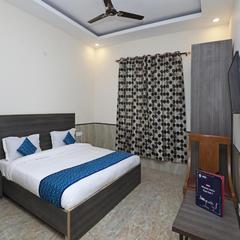 Hotel Redisston @ Noida in Noida