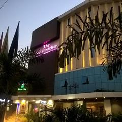 Hotel Royal Shelter in Vapi