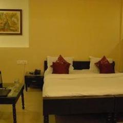 Hotel Shahi Palace in Ahmedabad