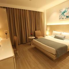 Hotel Shanti Palace West in New Delhi