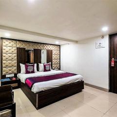 Hotel Shelter Palace in Navi Mumbai