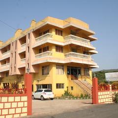 Hotel Shiv Malhar in Amboli