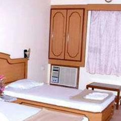 Hotel Shree Paras in Amreli