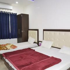 Hotel Shri Vijay Palace in Ujjain
