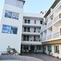 Hotel Sps Inn in Rewa
