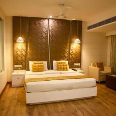 Hotel Sun N Shine in Bhavnagar