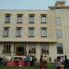 Hotel The Naruka Pride in Gangapur