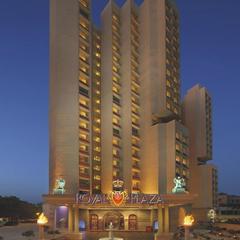 Hotel The Royal Plaza in New Delhi