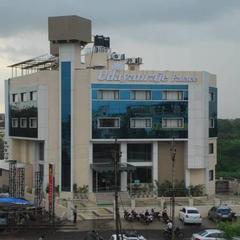 Hotel Udayanraje Palace in Ahmednagar