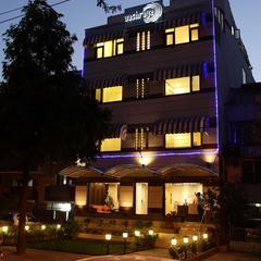 Stallen Suites Nehru Place in New Delhi