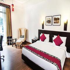 Jashn's Inn Near Apollo Hospital in New Delhi