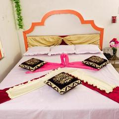 Jayanti Hotel in Tarapith