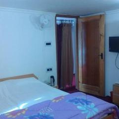 Kashmir Holiday Inn in Srinagar