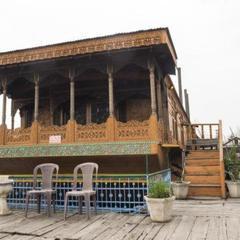 Laila Kashmir Houseboats Group in Srinagar