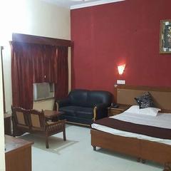 Mockingbird Hotel & Restaurant in Faridkot