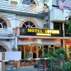 Motel Divine International in Roorkee