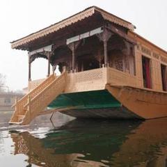 Nigeen Heritage Houseboats in Srinagar