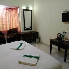 Nilgiris Inn in Ooty