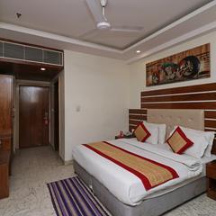 Oyo 10563 Main Bazar Road in Delhi